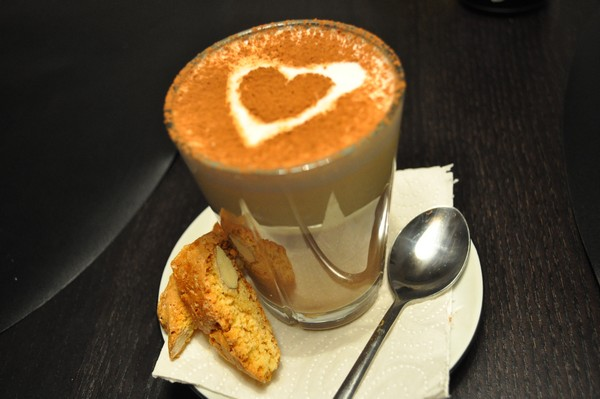 Caffé latte med Biscutti © Jensen´s Madblog