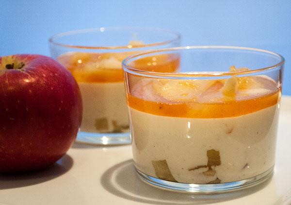 panna cotta krydrede æbler
